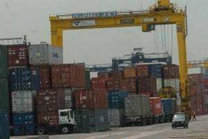Melemahnya rupiah membuat industri pelayaran tidak bisa berdaya saing.  - bisnis.com