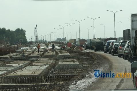 Ilustrasi proyek jalan tol. BPJT mencabut status defaul PT Solo Ngawi Jaya yang akan membangun jalan tol Ngawi-Solo.  -  Bisnis.com