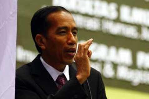 Jokowi: Irit bicara Soal Pertemuan Dengan Akbar Tandjung