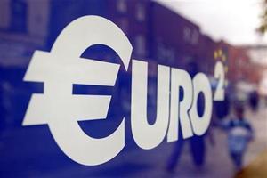 Logo Euro. Data Ekonomi, Arah Kebijakan ECB