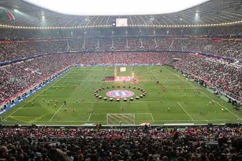 Stadion Allianz Arena  resmi dibuka 30 Mei 2005 - Allianz.co.id