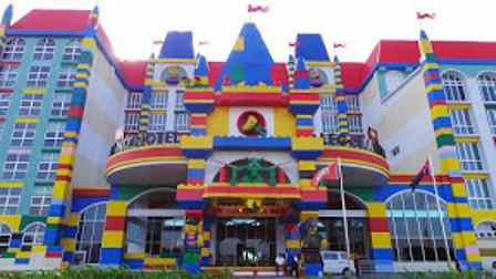 Ilustrasi-Legoland Hotel - naked/traveler.com