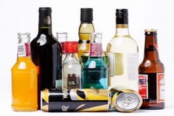Minuman beralkohol impor relatif lebih mahal harganya dibandingkan dengan minol lokal.  - Bisnis.com