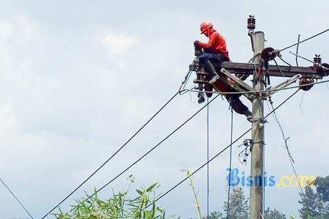 Rasio elektrifikasi diklaim sudah mencapai 80%.  - bisnis.com