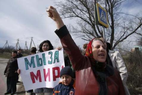Ilustrasi-Demo warga Krimea - Reuters