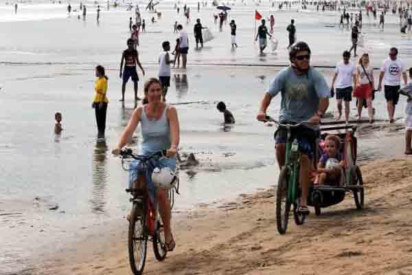 Wisata pantai. NTB bidik investasi Rp6 Triliun - JIBI