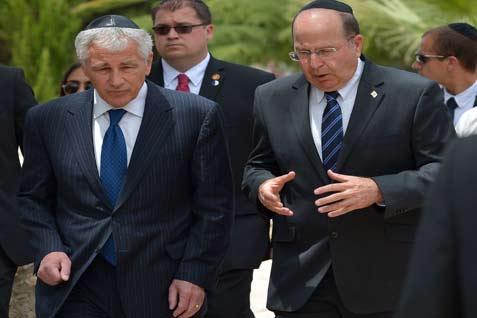 Menteri Pertahanan AS Chuck Hagel, dan Menteri Pertahanan Israel Moshe Yaalon. - reuters