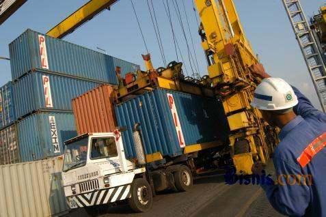 Pelabuhan merupakan simpul logistik yang penting.  -  Bisnis.com