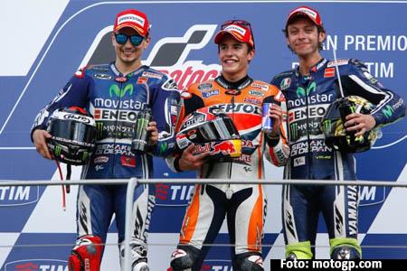 Dari kiri ke kanan Jorge Lorenzo (juara 2), Marc Marquez (juara 1), Valentino Rossi (juara 3) di Mugello Italia Minggu 1 Juni 2014 - motgp.com