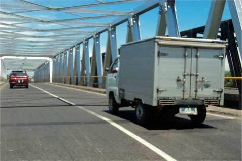 Jembatan ini membentang di jalan pantura.  - Bisnis.com