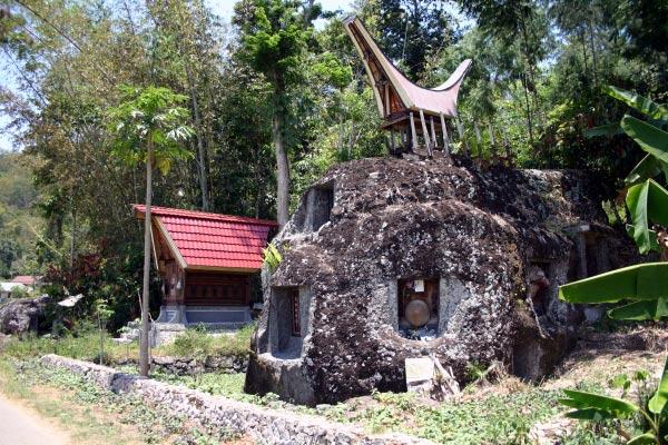 Kemenparekraf berharap festival yang telah masuk dalam kalender wisata tahunan tersebut dapat mengangkat kembali nama Toraja di mata dunia yang sebelumnya sudah terkenal dengan keindahan alam, kekayaan warisan budaya, adat, dan kuliner. - Bisnis.com