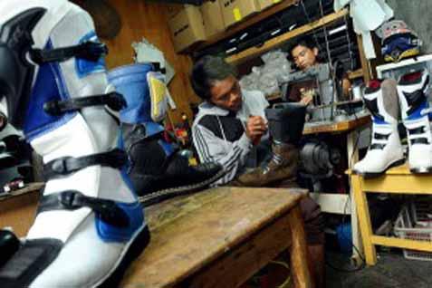 Produksi sepatu - Bisnis