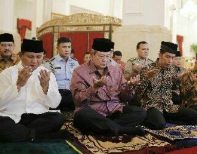 Presiden SBY berdoa bersama Prabowo dan Joko Widodo - antara