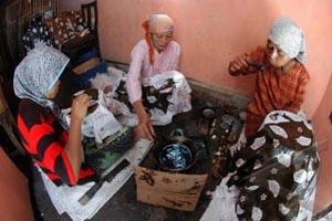 Berbagai penghargaan pun diraih warga kampung batik Palbatu di mana salah satunya berasal dari Museum Rekor Indonesia (MURI).  - bISNIS.COM