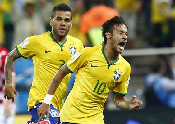 Neymar (kanan) dan Dani Alves, dua andalan tim Samba Brasil, akan melakoni dua laga uji coba internasional pada bulan ini - Reuters/Murad Sezer