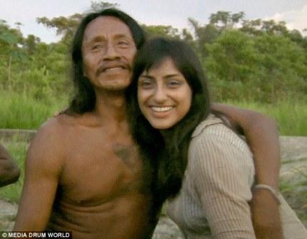Sarah Begum nikah dengan pria suku amazon - dailymail