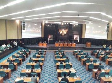 Rapat DPRD DKI Jakarta - Beritajakarta.com