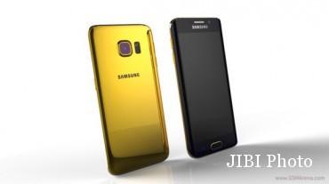 Samsung Galaxy S6 terbalut emas 24 karat (GSM Arena)