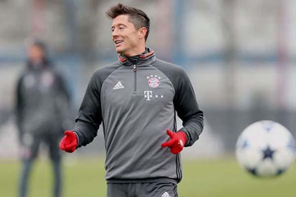 Robert Lewandowski, ujung tombak Bayern Munchen - Twitter Bayern Munchen