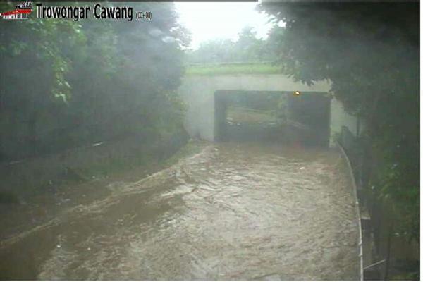 Banjir di terowongan Cawang - TMC