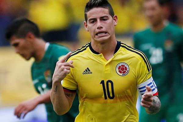 James Rodriguez setelah mencetak gol kemenangan Timnas Kolombia atas Bolivia dalam pertandingan Pra-Piala Dunia 2018 pekan lalu. - Reuters/Jaime Saldarriaga