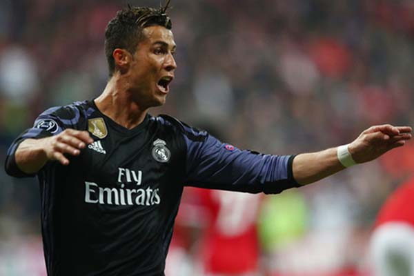 Penyerang Real Madrid Cristiano Ronaldo selepas menjebol gawang Bayern Munchen - Reuters/Michael Dalder