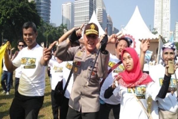 Kapolda Metro Jaya M.Iriawan meninjau perayaan hari buruh