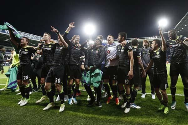Chelsea juara Liga Primer Inggris musim 2016-2017 - Reuters/Carl Recine