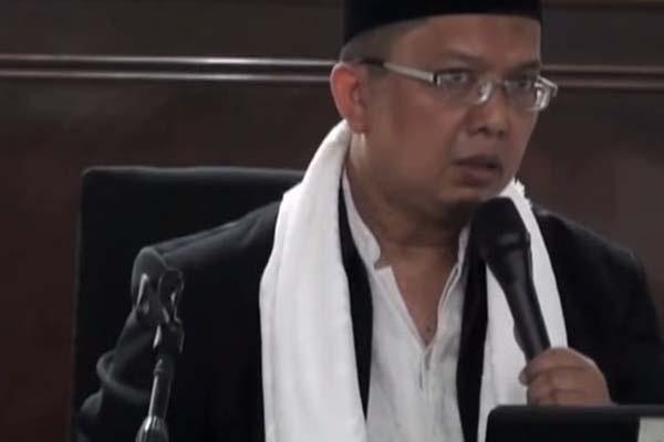 Ustaz Alfian Tanjung - Youtube