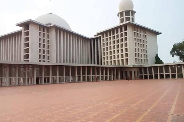Masjid Istiqlal - wikipedia