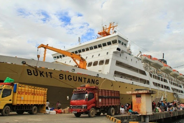 KM Bukit Siguntang - kapal/penumpang/pelni.blogspot.com