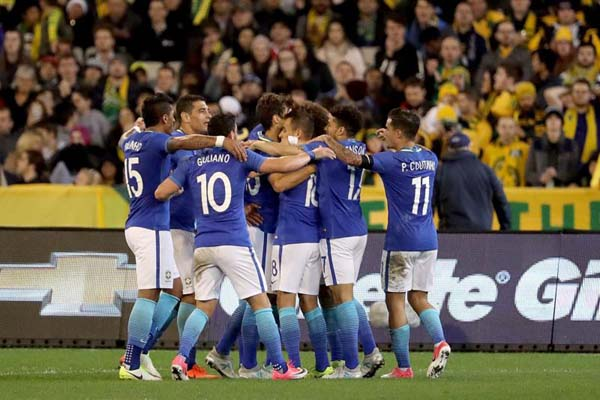 Para pemain Brasil selepas menjebol gawang tuan rumah Australia - Bleacher Report