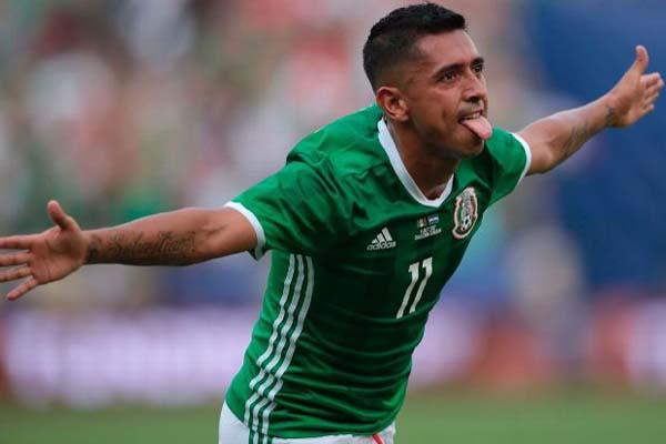 Pemain Meksiko Elias Hernandez selepas menjebol gawang El Salvador di Piala Emas 2017 di AS. - ESPN