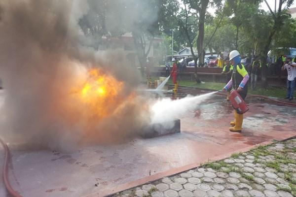 Jika Terjadi Kebakaran Di Spbu Ini Yang Harus Segera Dilakukan Petugas
