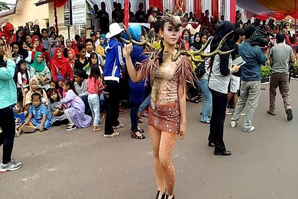 Toboali Fashion Carnival. - Youtube