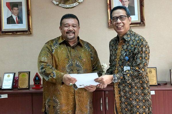 Bally Saputra Datuk Janosati Menerima Surat pengakuan sebagai Konsul Jenderal Kehormatan Nepal untuk Indonesia yang berkedudukan di Jakarta. - istimewa