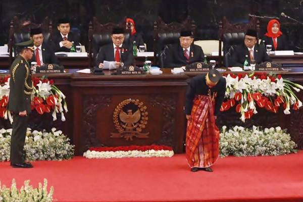 Presiden Joko Widodo saat mengikuti Sidang Tahunan MPR/DPR/DPD RI, di Jakarta, Rabu (16/8). - JIBI/Abdullah Azzam