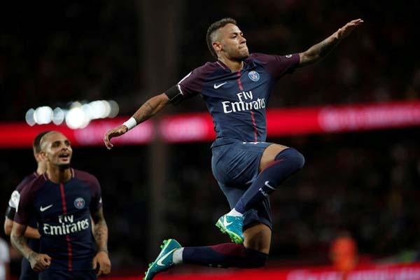 Penyerang PSG Neymar da Silva Santos Jr. (kanan) setelah menjebol gawang Toulouse - Reuters/Benoit Tessier