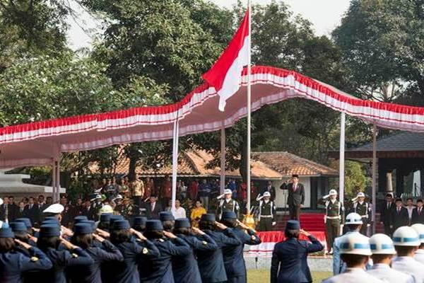 Presiden Joko Widodo memimpin upacara Peringatan Hari Kesaktian Pancasila di Monumen Pancasila Sakti, Lubang Buaya, Jakarta Timur, Kamis (1/10). - Antara