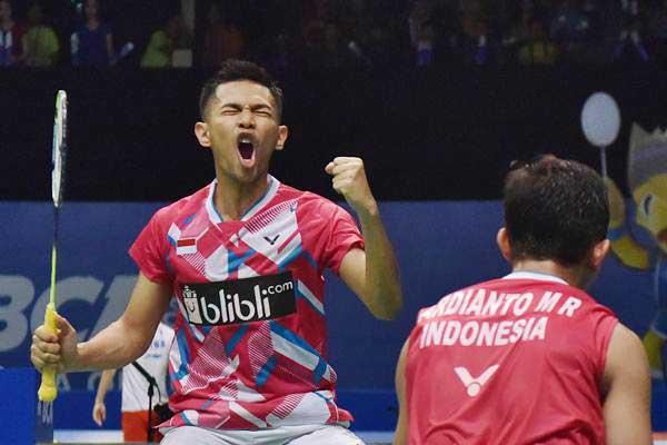 Pebulu tangkis ganda putra Indonesia Fajar Alfian (kiri) dan M Rian Ardianto - Antara/Wahyu Putro A