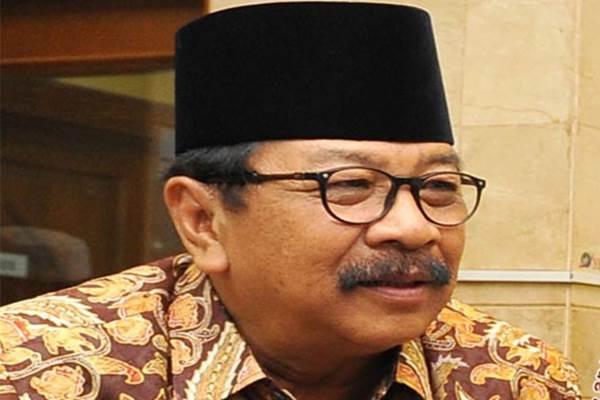 Gubernur Jawa Timur Sukarwo atau biasa disapa Pakde Karwo - Antara