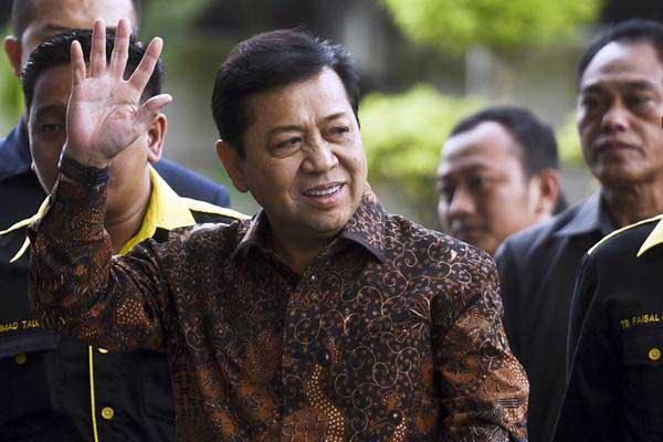 Ketua DPR Setya Novanto memenuhi panggilan KPK untuk menjalani pemeriksaan di gedung KPK, Jakarta, Jumat (14/7). - ANTARA/Hafidz Mubarak A