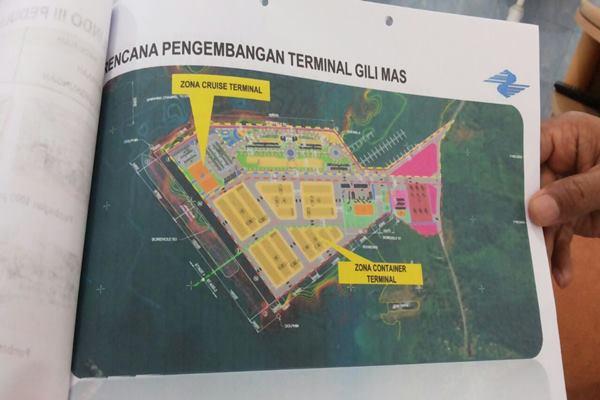 Desain rencana pengembangan terminal Gili Mas yang dipaparkan oleh General Manager Pelindo III cabang Lembar Baharuddin. - Bisnis.com/Eka Chandra