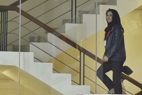Bupati Kutai Kartanegara Rita Widyasari saat bersiap menjalani pemeriksaan di Gedung Merah Putih KPK, Jakarta, Jumat (6/10). - ANTARA/Puspa Perwitasari