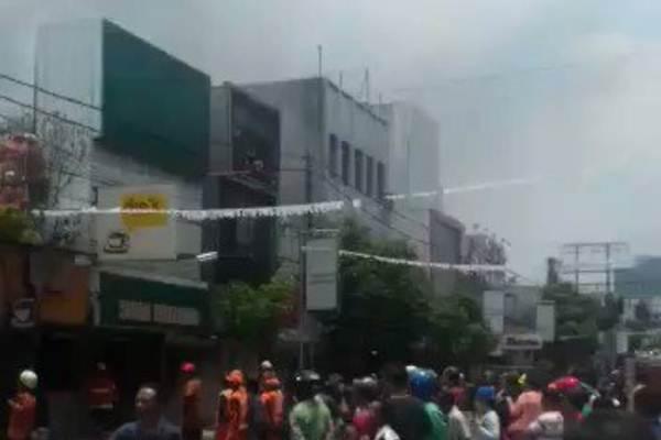 Kebakaran Jalan Sabang Api Berhasil Dipadamkan Pemilik Toko Belum Mau Komentar