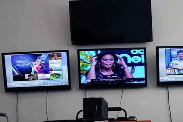 KPI memantau tayangan televisi - Antara