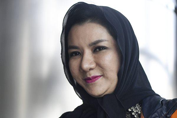 Bupati (nonaktif) Kutai Kartanegara Rita Widyasari tiba untuk menjalani pemeriksaan perdana, di gedung KPK, Jakarta, Selasa (10/10). - ANTARA/Sigid Kurniawan