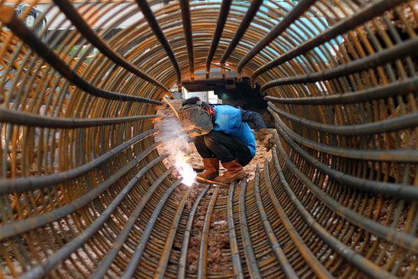 Indonesia Darurat Pekerja Las Ekonomi Bisnis Com