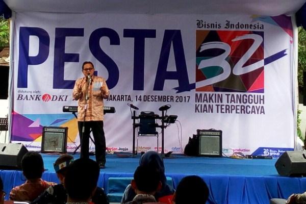 Soebronto Laras selaku Komisaris PT Jurnalindo Aksara Grafika, penerbit Bisnis Indonesia, memberikan wejangannya seputar lanskap industri media massa dewasa ini dan tantangannya ke depan.