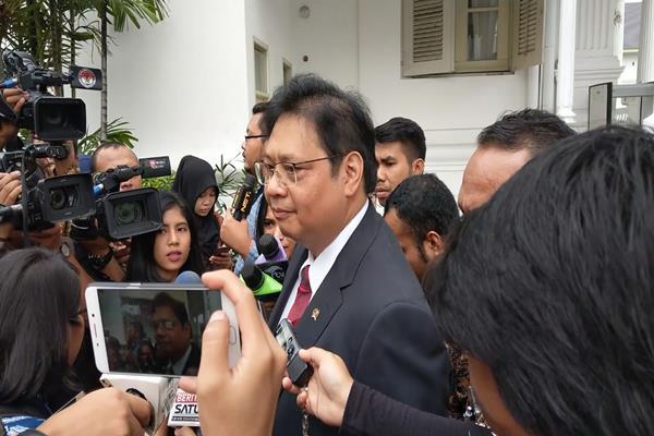 Ketum Partai Golkar Airlangga Hartarto di Istana Kepresidenan, Rabu (17/1/2018). - Bisnis.com/Irene Agustine
